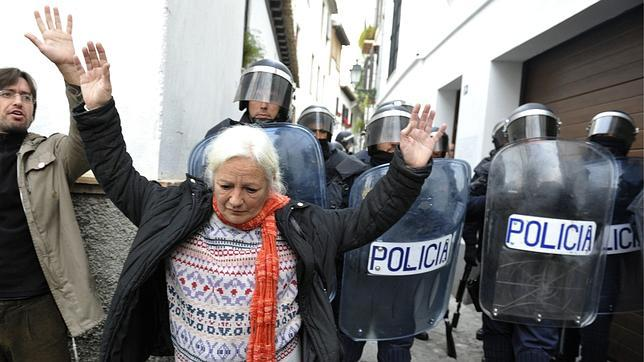 policia desahucio